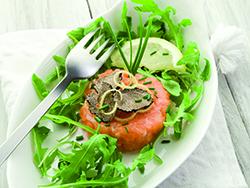 Lachstatar mit Trüffeln ist ein Genuss für den Gaumen mit edlen Zutaten. Eine kroatische Spezialität, die Erde und Meer nahezu perfekt verbindet.