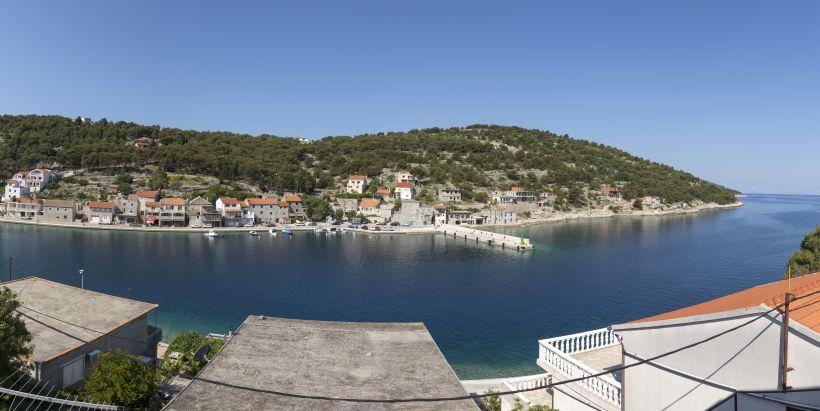 Die unbewohnte Insel Žirje hat ein einziges Geschäft im Hafen Muna