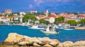 Novalja: die Heimat des Strand Zrće