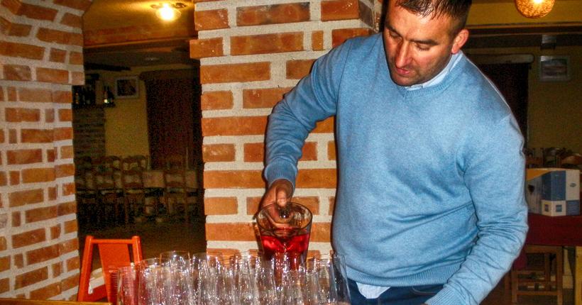 Plešivica Weingut Franjo Kolarić Einschenken