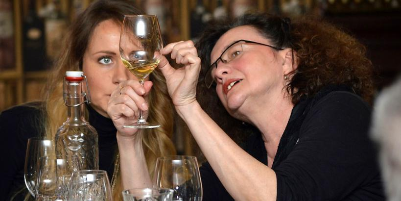 Weingespräche Damen