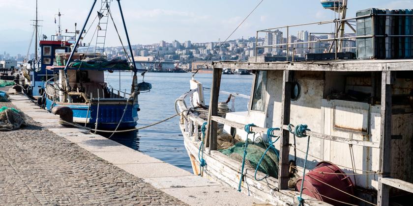 Rijeka Molo Longo mit Booten