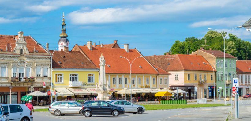 Dreifaltigkeitsplatz in Požega