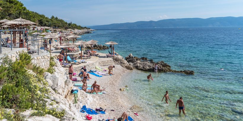 Strand Maslinica in Rabac Istrien