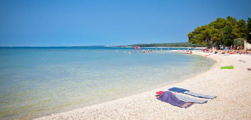 Strand Valbandon in Fazana Istrien