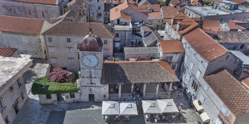 Trogir Glockenturm Sv. Sebastijana und Stadtloggia
