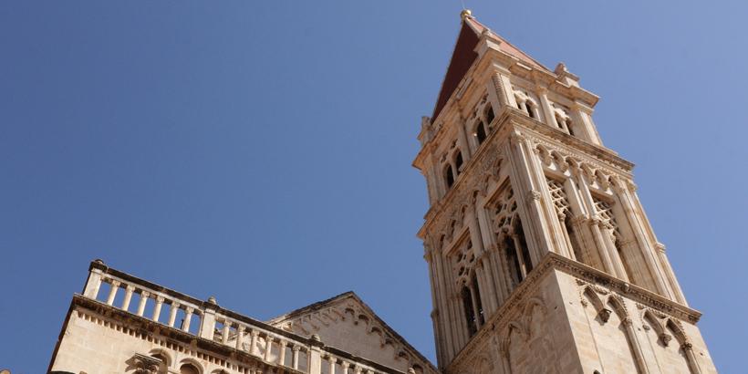 Trogir Platz Johannes Paul II Church view
