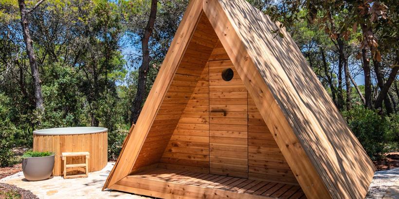 https://www.lust-auf-kroatien.de/wp-content/uploads/2019/07/Arena-One-99-Glamping-Sauna-Hot-Tabs.jpg