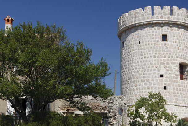 Der Turm von Cres – das Relikt einer Epoche