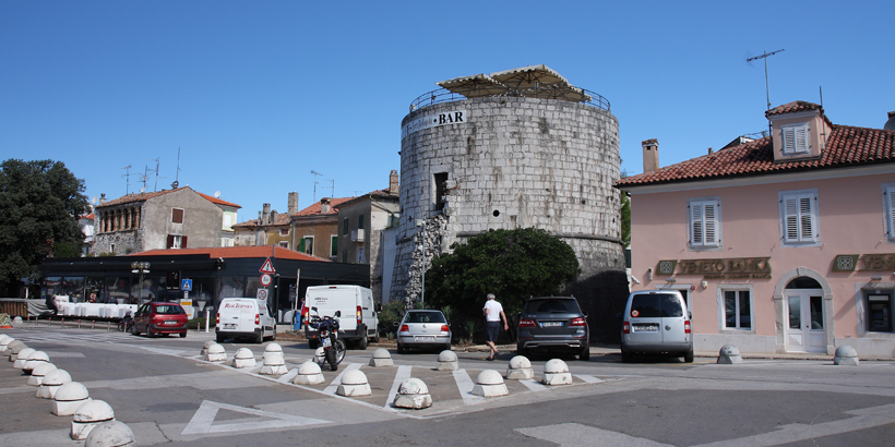 Poreč für Genießer Round tower, Torre Rotunda Bar in Porec Croatia