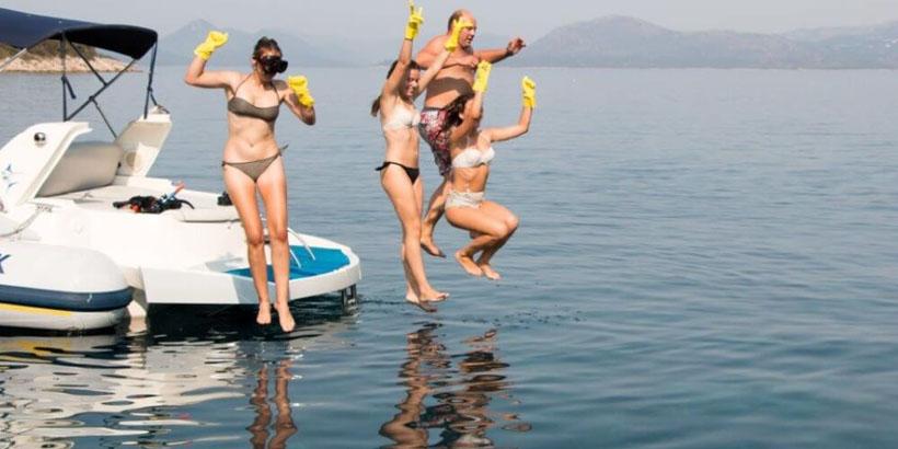 green sea safari fun boat