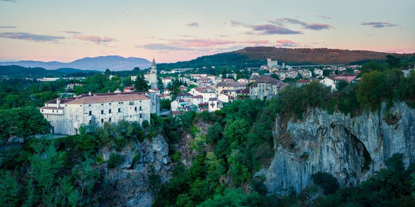 Höhlen und Grotten rund um Poreč Stadt