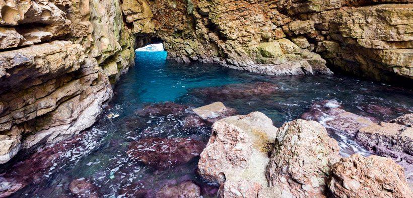 Mljet Türkisblaues Meer vor der Odysseushöhle