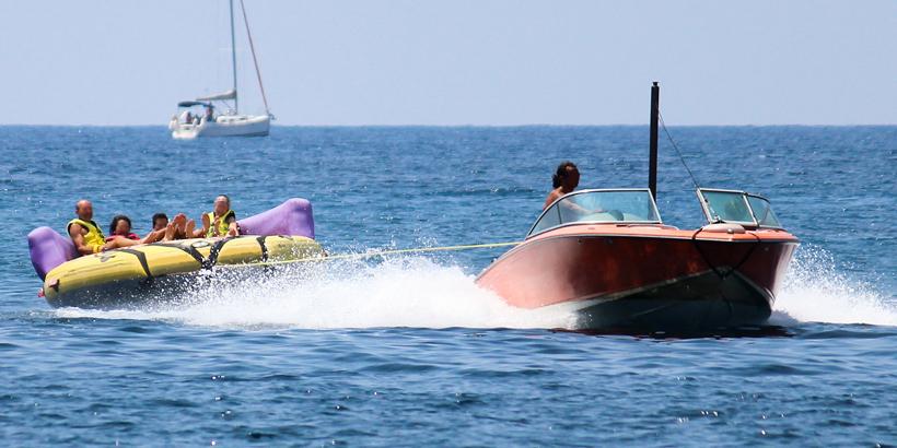 Poreč mit Kindern erleben schlauchboot