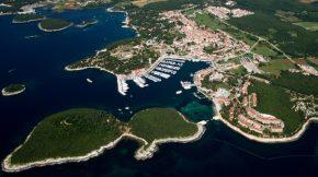 Insel Sveti Juraj vor dem Hafen von Vrsar