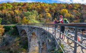 Parenzana Radweg - Kurze Verschnaufpause auf der Brücke