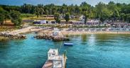 Polidor Camping Park vom Wasser aus - Maritimer luxuriöser Campingplatz in Funtana
