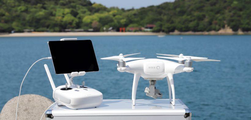 Drohne mit Kamera zum Drohnen fliegen in Kroatien am Meer