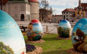Ostergrüße von der Adria -Ostern in Krotien - Ostereier bemalen im OsternestZagreb