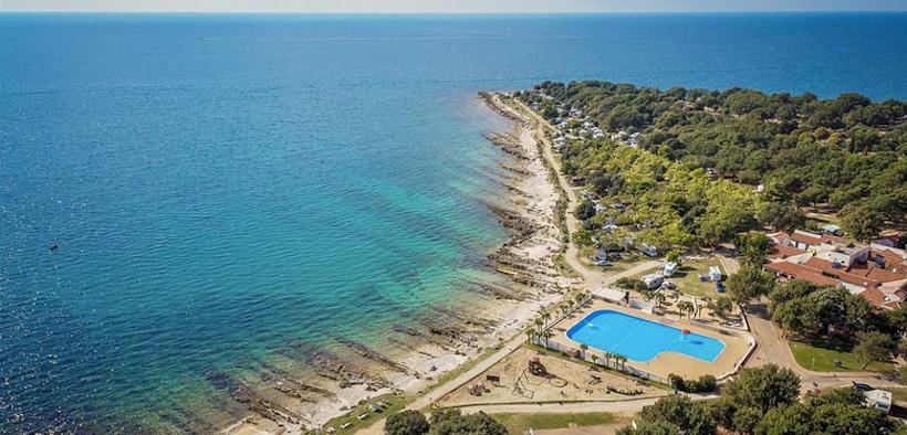 Pool am Meer im Naturist Camping Ulika in Poreč