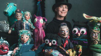 Puppenspielerin im Puppentheater - Rijeka Theater Tipp
