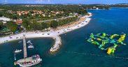 Strandseite und Wasserpark des BiVillage Feriendorfs - Ferienanlage Kroatien