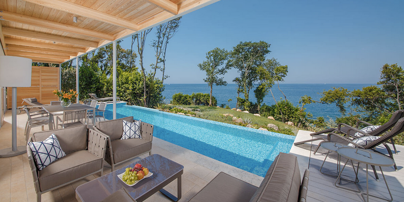 Zimmerblick vom Isabella Island Resort auf Pool und Meer