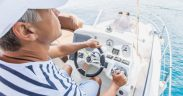 Mit Bootsführerschein für Kroatien selbst am Steuer vom eigenen Boot - Sportbootführerschein See oder Küstenpatent