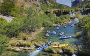 Wildwasser Rafting Kroatien - Kayaking am Fluss Zrmanja - landschaftliches Idyll