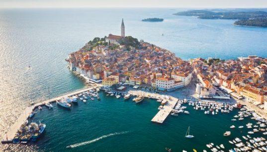 Der Hafen Rovinj gehört wie der Hafen Pula zu den Marinas in Istrien