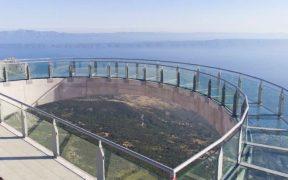 Skywalk Biokovo mit Panorama Blick auf die Adria - Gläserne Brücke im Gebirge